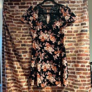 For love and lemon flower dress like new w/o tags